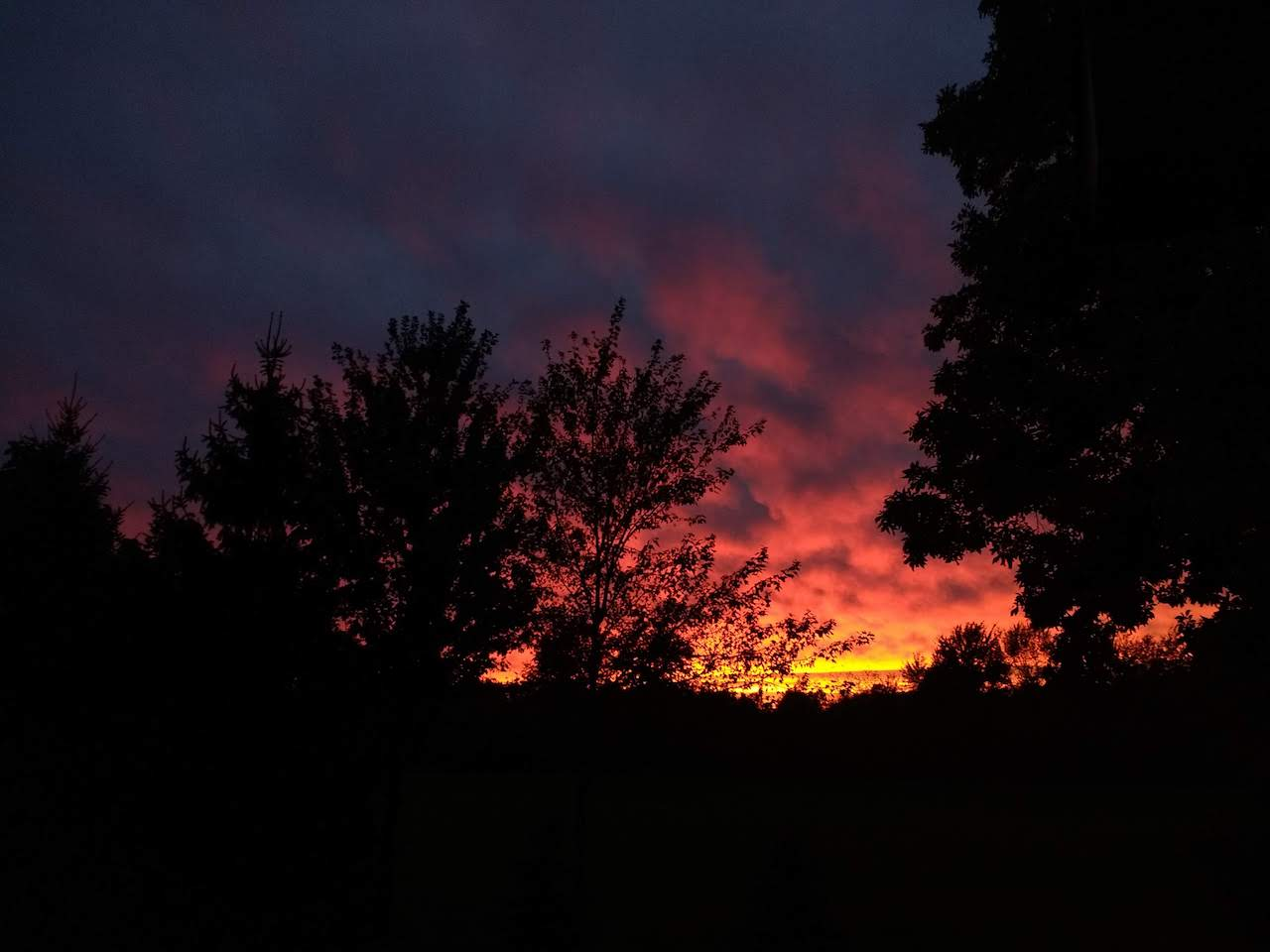 Fiery sunset in the Finger Lakes (photo)